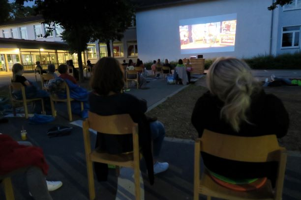 OGS-Open-Air-Kino zur Verabschiedung des 4. Jahrgangs